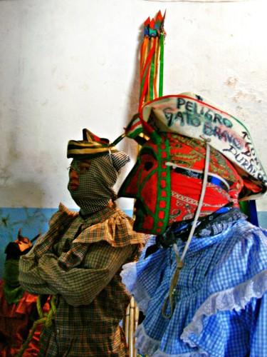 Imagen de La danza de los diablos en la Huasteca Potosina (propio), Diablo con sombrero (atribuido)