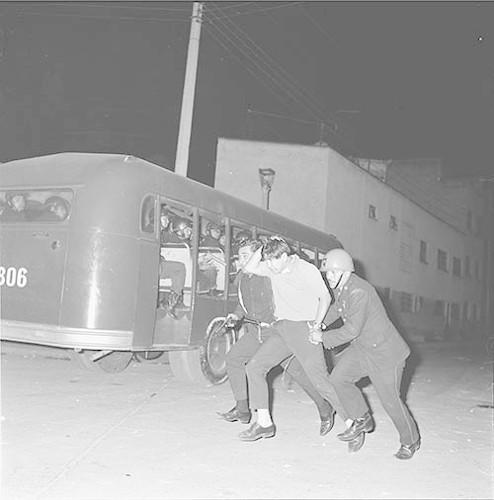 Imagen de MGP2679 (atribuido), Toma Casco detenidos ejército sep 1968 (alternativo)