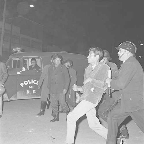 Imagen de MGP2702 (atribuido), Toma Casco detenidos ejército sep 1968 (alternativo)