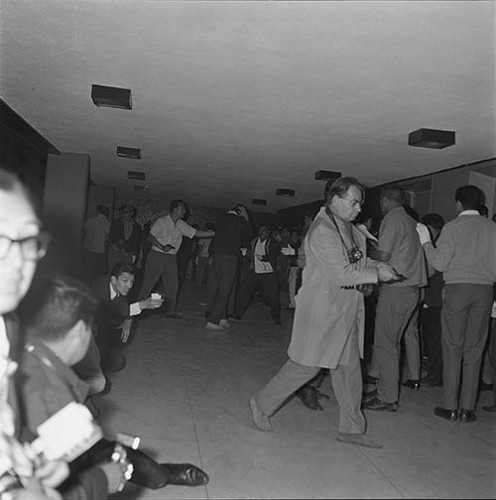 Imagen de MGP3074 (atribuido), Mitin Tlatelolco aprehensión líderes octubre 1968 (alternativo)