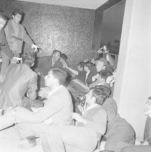 Imagen de MGP3094 (atribuido), Mitin Tlatelolco aprehensión líderes octubre 1968 (alternativo)