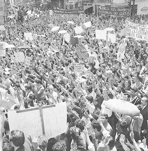 Imagen de MGP3122 (atribuido), Mitin señoras Cámara de Diputados octubre 1968 (alternativo)