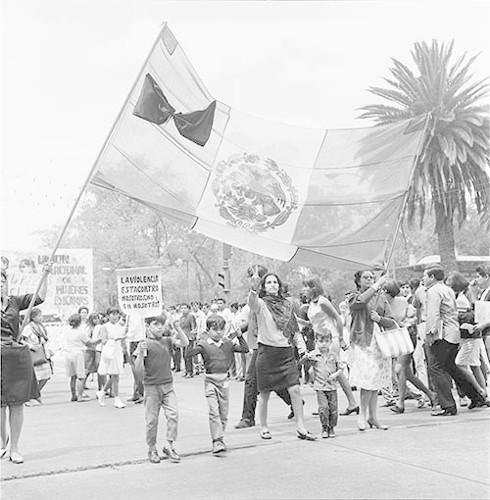 Imagen de MGP3143 (atribuido), Mitin señoras Cámara de Diputados octubre 1968 (alternativo)