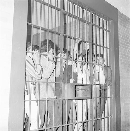 Imagen de MGP2012 (atribuido), Detenidos Vocacional 5 Jefatura Policía 30 julio 1968 (alternativo)