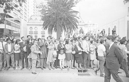 Imagen de MGP2258 (atribuido), Mitin estudiantil zócalo juárez 27 agosto 1968 (alternativo)