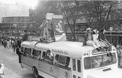 Imagen de MGP2314 (atribuido), Mitin estudiantil zócalo juárez 27 agosto 1968 (alternativo)