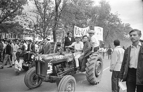 Imagen de MGP2321 (atribuido), Mitin estudiantil zócalo juárez 27 agosto 1968 (alternativo)