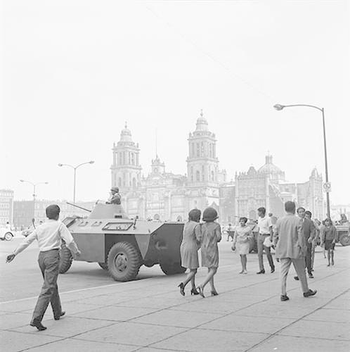 Imagen de MGP2367 (atribuido), Mitin estudiantil zócalo juárez 27 agosto 1968 (alternativo)