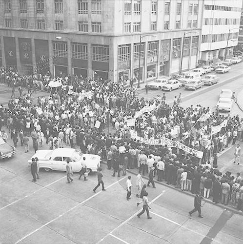 Imagen de MGP2385 (atribuido), Mitin estudiantil zócalo juárez 27 agosto 1968 (alternativo)