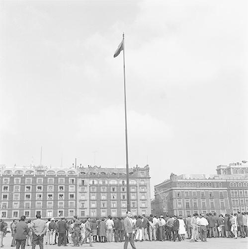 Imagen de MGP2524 (atribuido), Mitin estudiantil zócalo juárez 27 agosto 1968 (alternativo)