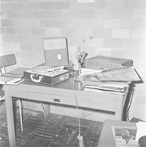 Imagen de MGP2572 (atribuido), Toma CU ejército letreros alusivos sep 1968 (alternativo)