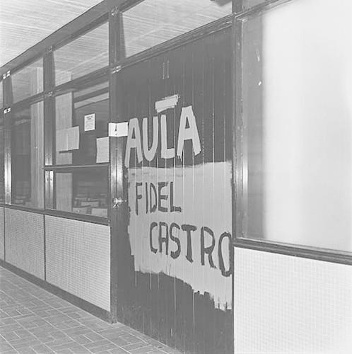 Imagen de MGP2573 (atribuido), Toma CU ejército letreros alusivos sep 1968 (alternativo)