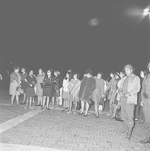 Imagen de MGP2602 (atribuido), Toma CU ejército letreros alusivos sep 1968 (alternativo)