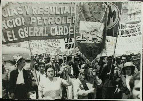 Imagen de Manifestación de organizaciones obreras en apoyo al gobierno de México por su política en el conflicto petrolero (atribuido)