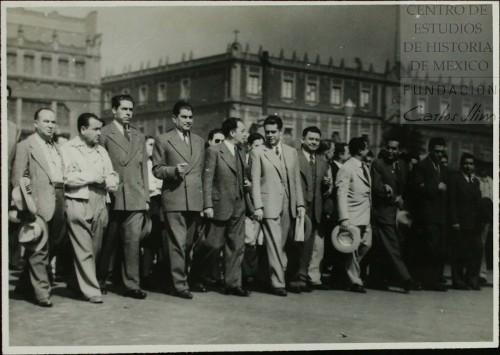 Imagen de Los dirigentes obreros a la cabeza de la manifestación (atribuido)