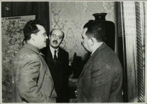 Imagen de Lázaro Cárdenas con Efraín Buenrostro, ministro de Industria y Comercio, y Eduardo Suárez, ministro de Hacienda y Crédito Público (atribuido)