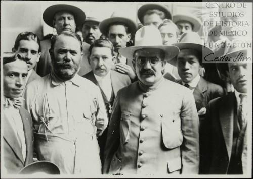Imagen de Los Grales Álvaro Obregón y Pablo González se reúnen en Tacubaya al triunfo del movimiento del Plan de Agua Prieta (atribuido)