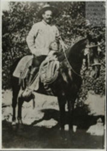 Imagen de El Gral. Francisco Villa, probablemente en la Hacienda de Canutillo (atribuido)