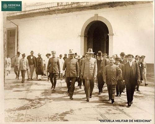 Imagen de Fundación simbólica de la Escuela Constitucionalista Médico Militar, hoy Escuela Militar de Medicina, el 12 de octubre de 1916 (atribuido)