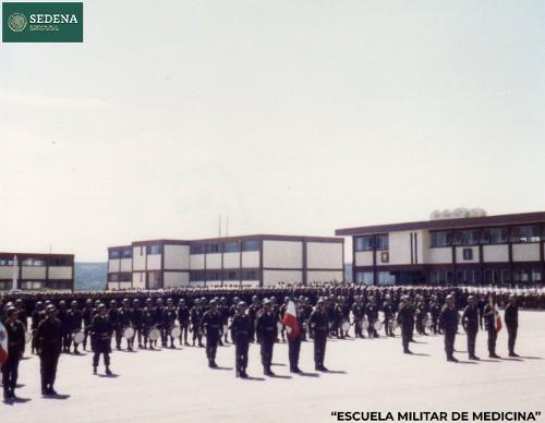 Imagen de Ceremonia por la visita a Durango del secretario de la Defensa Nacional, el general Juan Arévalo Gardoqui (atribuido)