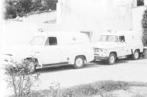 Imagen de Ambulancias de la Cruz Roja abandonadas (atribuido)