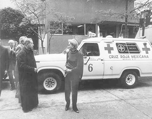 Imagen de Visita del cardenal Ernesto Corripio Ahumada a la Cruz Roja Mexicana (atribuido)
