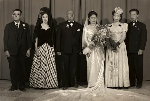 Imagen de Retrato de boda en grupo con padrinos y madrinas (atribuido)