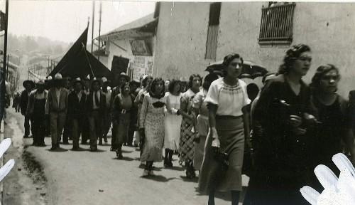Imagen de Manifestación de profesoras en el desfile del Primero de mayo (atribuido)