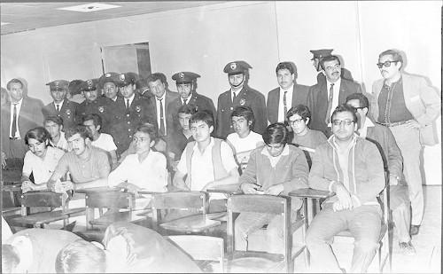 Imagen de Estudiantes detenidos por la policía (propio)