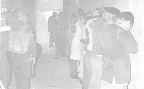 Imagen de Estudiantes presos en Tlatelolco (propio)