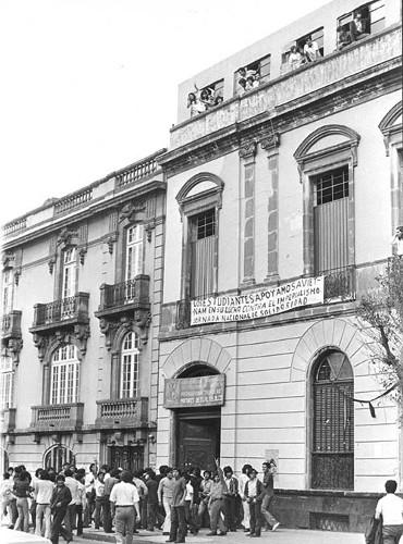 """Imagen de Protesta en la Preparatoria Popular """"Mártires de Tlatelolco"""" (propio)"""