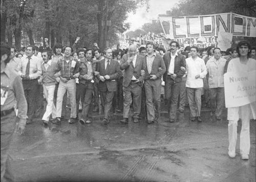 Imagen de Protesta de estudiantes de economía. Al frente Manuel Marcué Pardiñas (propio)