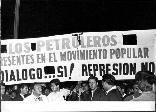 Imagen de Manifestantes petroleros apoyando la manifestación estudiantil de agosto de 1968 (propio)
