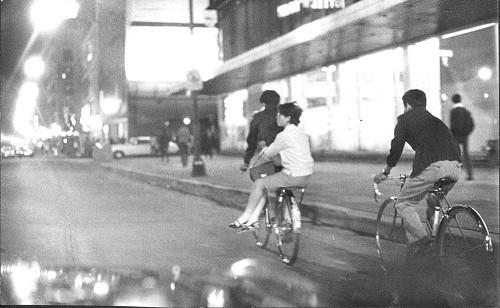 Imagen de Gente en el centro de la Ciudad (propio)