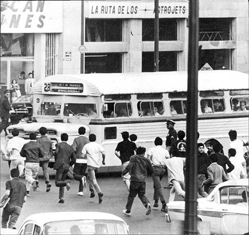 Imagen de Manifestación en protesta por la matanza del 10 de junio de 1971 (propio)