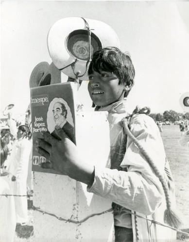 Imagen de Niño campesino durante la campaña presidencial de José López Portillo (propio)