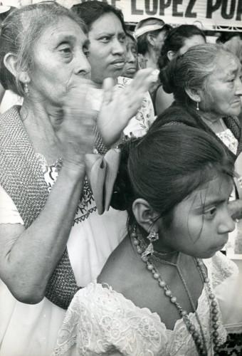 Imagen de Campesinos apoyando la candidatura de José López Portillo (propio)
