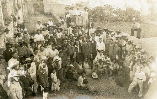 Imagen de Reunión de campesinos con funcionarios públicos (propio)