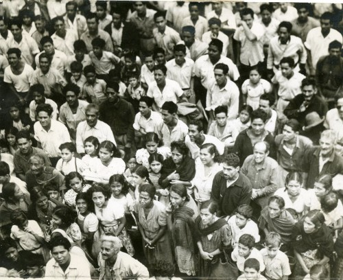 Imagen de Campesinos escuchando a un orador (propio)