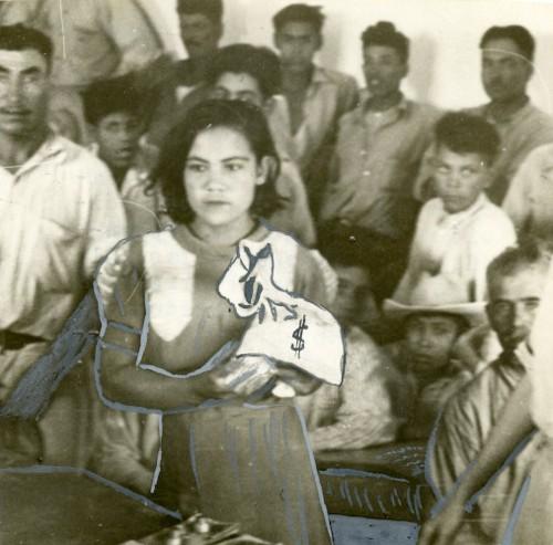 Imagen de Campesinos recibiendo apoyo (propio)