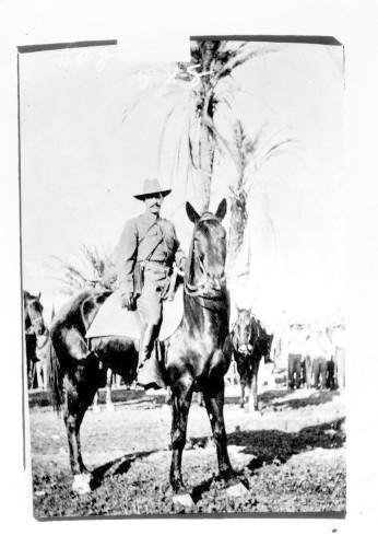 Imagen de Felipe Ángeles a caballo, reprografía