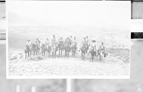 Imagen de Felipe Ángeles y su estado mayor en el cerro de la Bufa después de la toma de Zacatecas