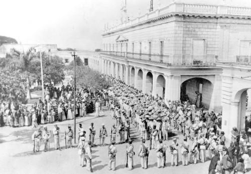 Imagen de Ejército Federal conduce a zapatistas de Cuautla a Cuernavaca