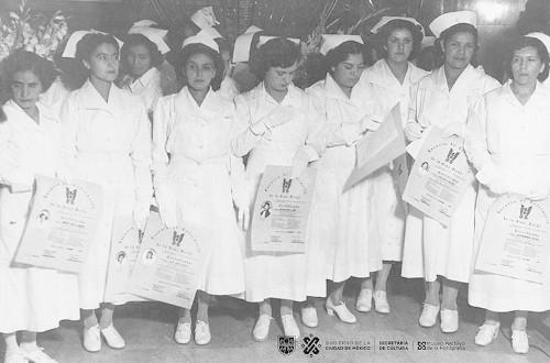 Imagen de Fiesta de graduación de la escuela de enfermeras (propio)