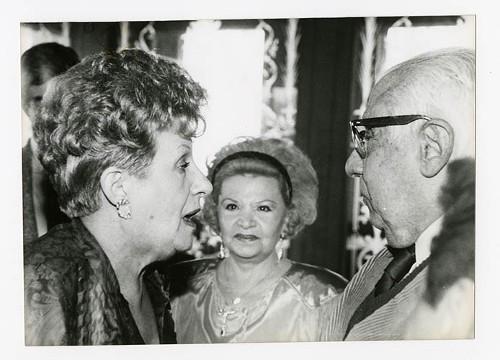 Imagen de Margarita Michelena y Rafael Solana Salcedo, durante el 50 aniversario de Margarita Michelena, en la Sociedad de Escritores de México (atribuido)