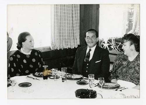 Imagen de Andrea Cataño Michelena y Efraín Huerta, durante el 50 aniversario de Margarita Michelena, en la Sociedad de Escritores de México (atribuido)