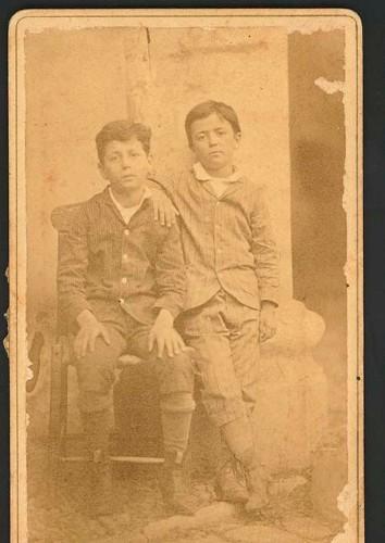 Imagen de Gustavo A. Madero y Francisco I. Madero, niños (atribuido)