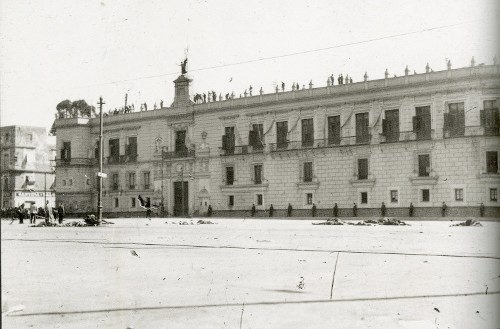 Imagen de Plaza de Armas la mañana del 9 de febrero de 1913