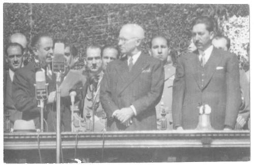 Imagen de Mr. Truman visita San Juan Teotihuacan acompañado del Presidente Miguel Alemán y el Jefe del D.D.F.