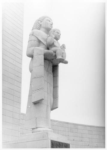 Imagen de Varios: Monumento a la Madre, Mercado de Dulces
